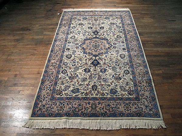SIL256 5X9 FINE CHINESE RUG